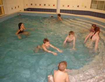 Sõlekese Lasteaed ujumistunnis